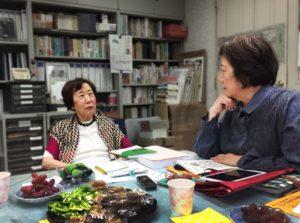 田中喜美子さんと前みつ子編集長